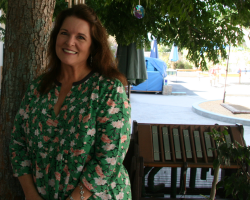 Profile image of Lisa Genovese